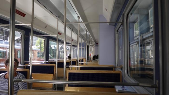 ゴルナーグラート鉄道の車内