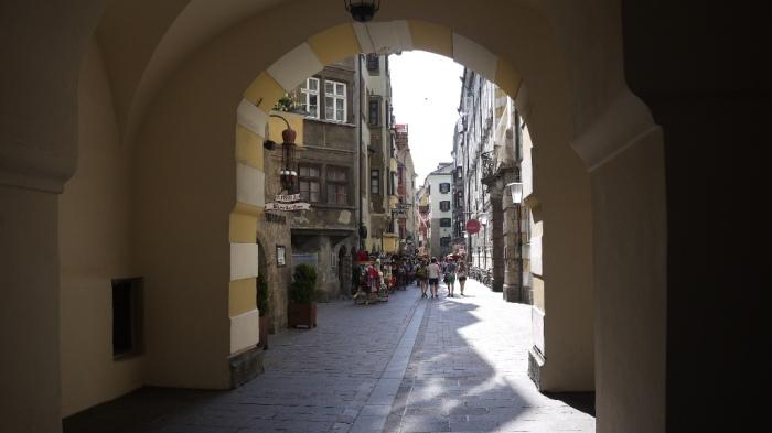 旧市街の街角