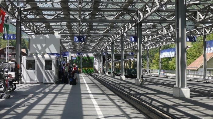 ラウターブルンネン駅
