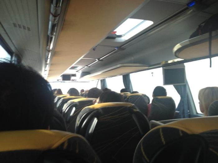 シャトルバスでウィーンへ