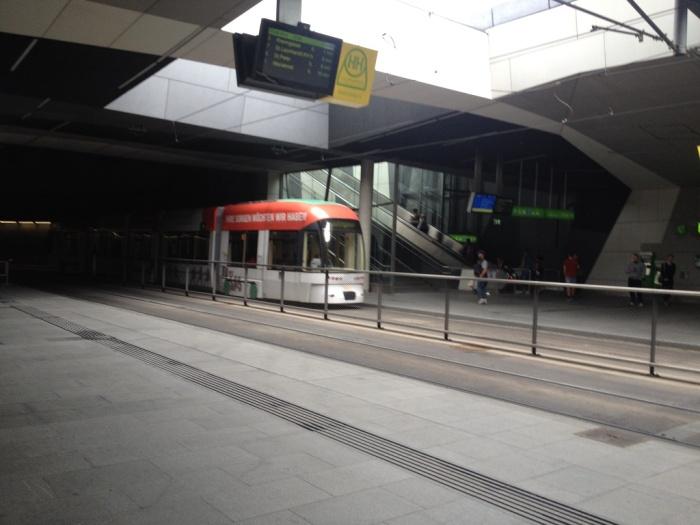 グラーツ駅のトラム